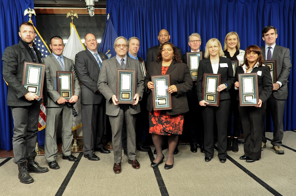 DA VANCE RECEIVES UNITED STATES ATTORNEY GENERAL'S AWARD FOR OUTSTANDING PARTNERSHIPS FOR PUBLIC SAFETY