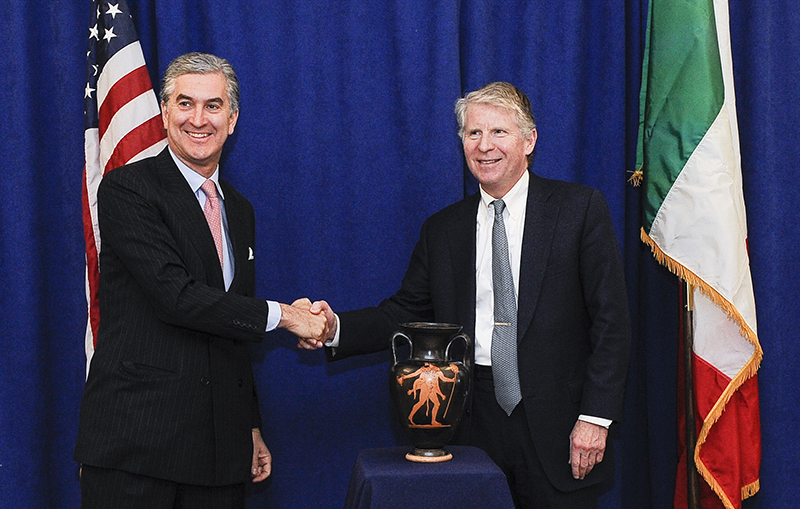 MANHATTAN DA'S OFFICE RETURNS ANCIENT ETRUSCAN VESSEL TO ITALY