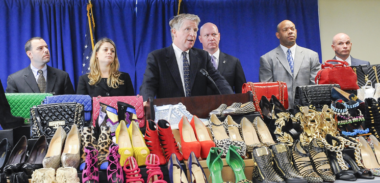 DA VANCE, U.S. SECRET SERVICE, HOMELAND SECURITY INVESTIGATIONS ANNOUNCE INDICTMENT OF IDENTITY THEFT RING THAT USED STOLEN INFORMATION TO PURCHASE HUNDREDS OF DESIGNERS BAGS AND SHOES FROM  SAKS FIFTH AVENUE